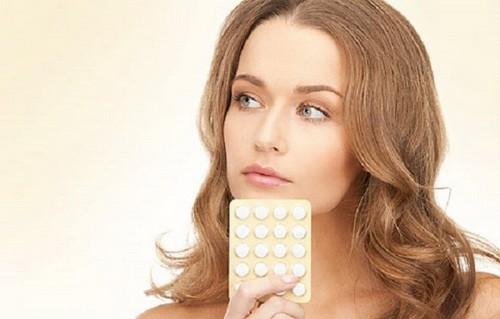 Женщина и таблетки
