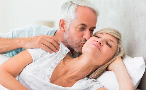 Половая жизнь при климаксе: как и чем предохраняться