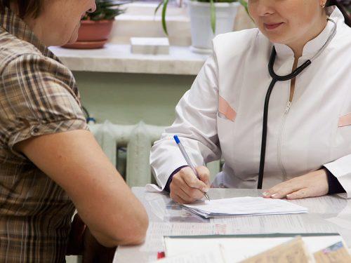 Признаки климакса у женщин в 47 лет: признаки и причины раннего наступления