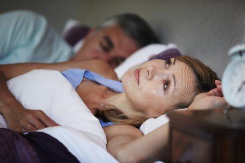 Признаки климакса у женщин в 43 гоыда, причины раннего наступления