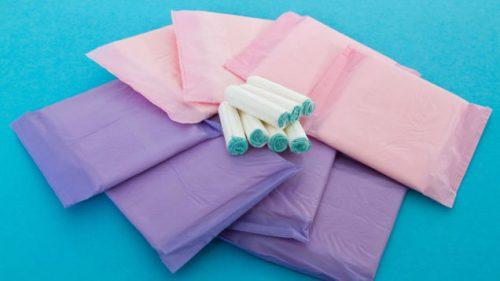 Месячние у девочек 12 лет: возрастная норма первой менструации