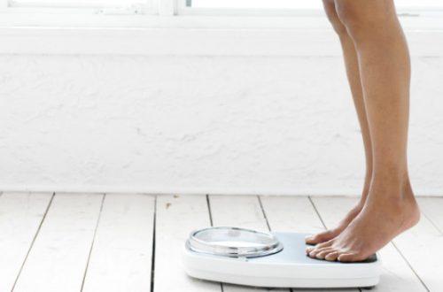 Вес перед месячними: может ли при диете сбиться менструальний цикл